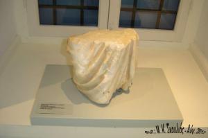Σπάραγμα ενδεδυμένου γυναικείου αγάλματος -Ελληνιστική περίοδος