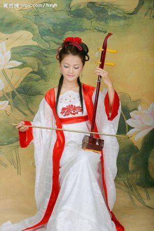 Το αγαπητό στην Κίνα μουσικό όργανο erhu